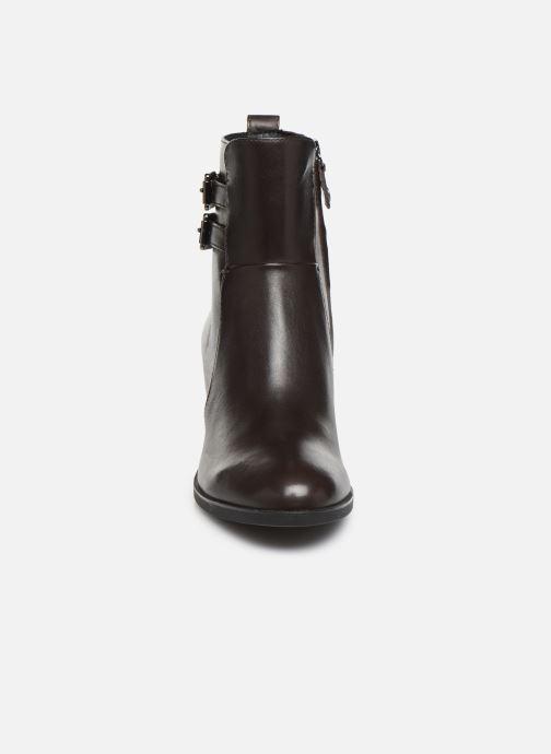 Stiefeletten & Boots Geox DGLYNNA braun schuhe getragen