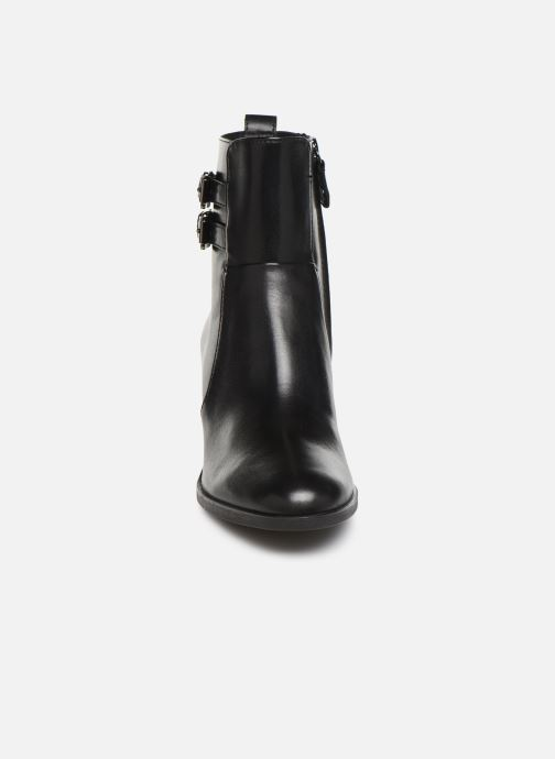 Ankle boots Geox DGLYNNA Black model view
