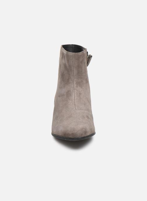 Bottines et boots Geox DPEYTHONLOW Gris vue portées chaussures