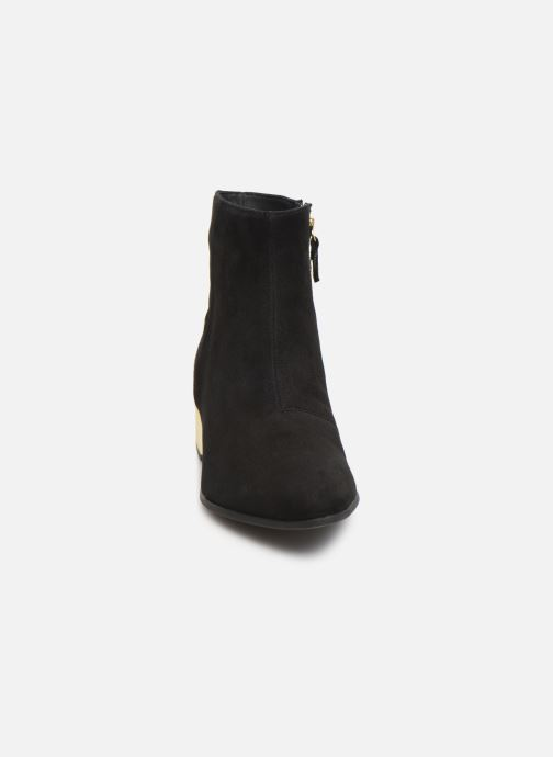 Ankle boots Geox DPEYTHONLOW Black model view