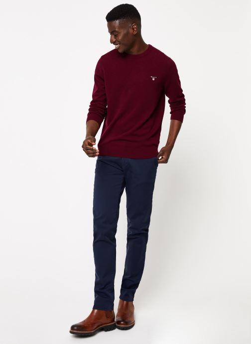 Vêtements GANT Slim Twill Chino Bleu vue bas / vue portée sac