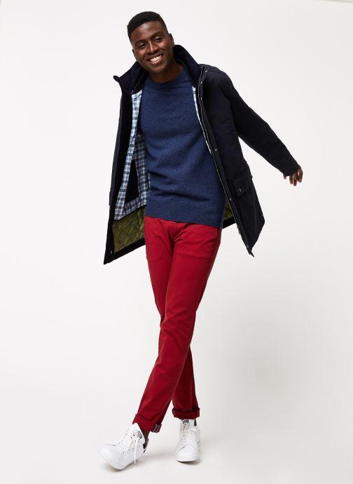 Vêtements GANT Slim Twill Chino Rouge vue bas / vue portée sac