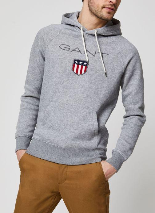 Vêtements GANT Gant Shield Hoodie Gris vue droite