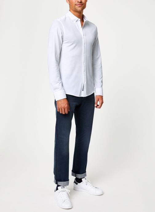 Vêtements GANT Tp Pique Solid Slim Bd Blanc vue bas / vue portée sac