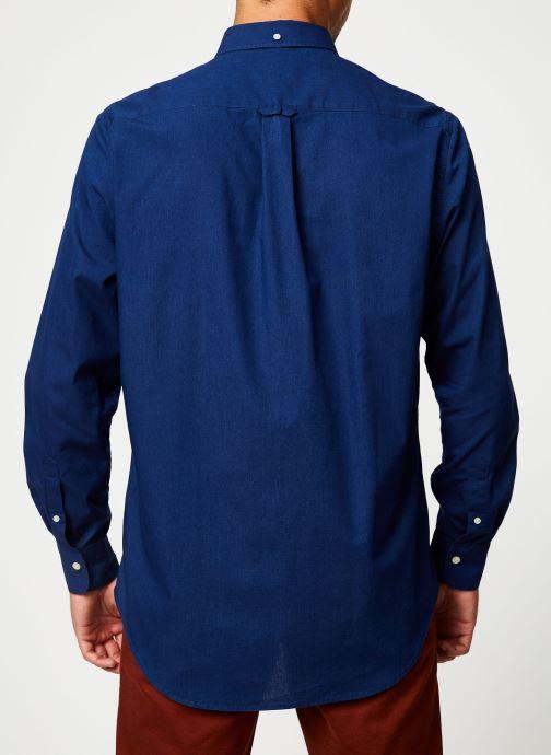 Vêtements GANT Tp Indigo Solid Reg Bd Bleu vue portées chaussures