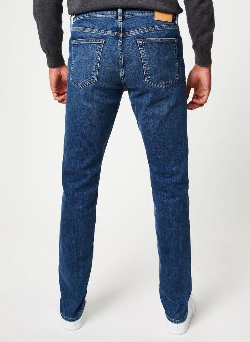 Vêtements GANT Slim Gant Jeans Bleu vue portées chaussures