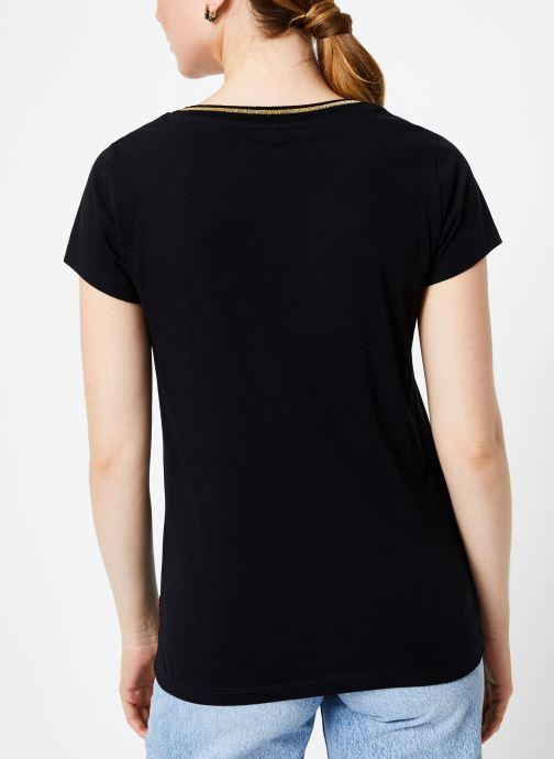 Vêtements I.Code Tee-Shirt Noir MC QP10104 Noir vue portées chaussures