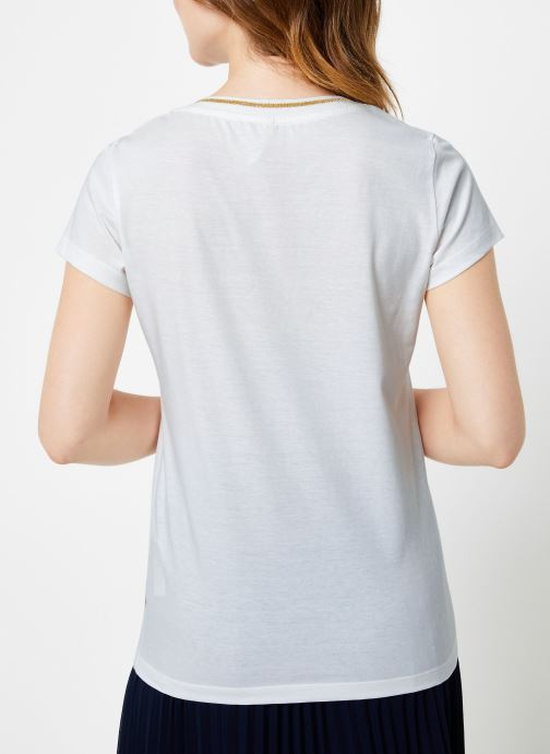 Vêtements I.Code Tee-Shirt Blanc MC QP10104 Blanc vue portées chaussures