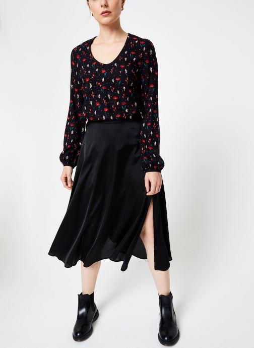 Vêtements I.Code Top Fleuri QP11294 Noir vue bas / vue portée sac