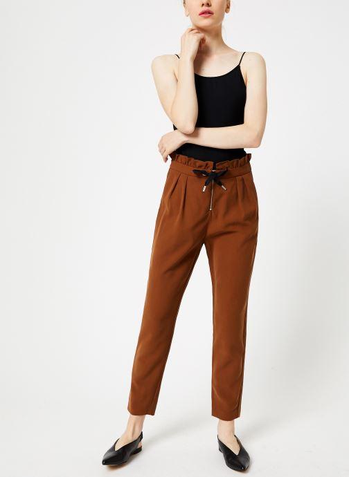 Vêtements I.Code Pantalon Carrot Camel QP22034 Marron vue bas / vue portée sac