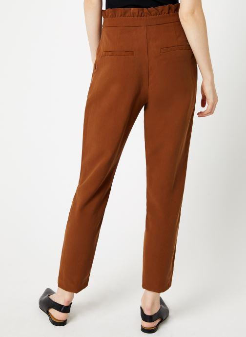 Vêtements I.Code Pantalon Carrot Camel QP22034 Marron vue portées chaussures
