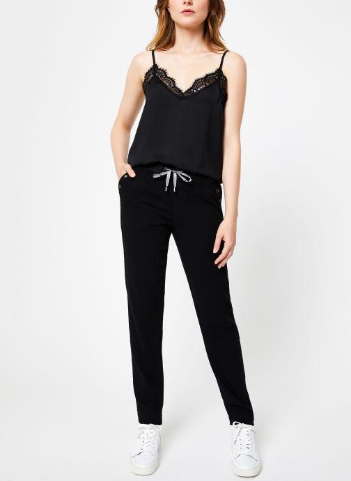 Vêtements IKKS Women Pantalon Droit Elastique BP22185 Noir vue bas / vue portée sac