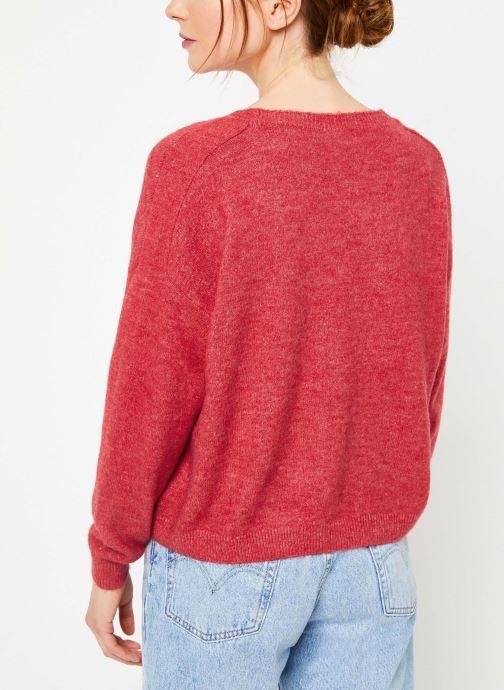 Vêtements Yuka PULL V MATIAS Rouge vue portées chaussures
