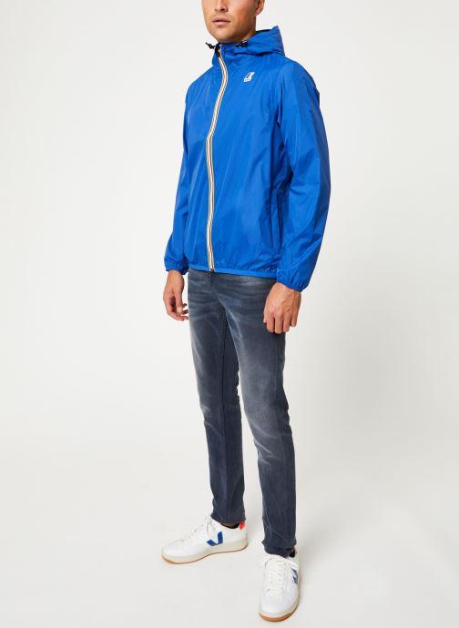 Vêtements K-Way  LE VRAI 3.0 CLAUDE M Bleu vue bas / vue portée sac