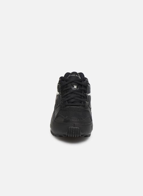 Sneakers Nike W Nike Shox Enigma Nero modello indossato