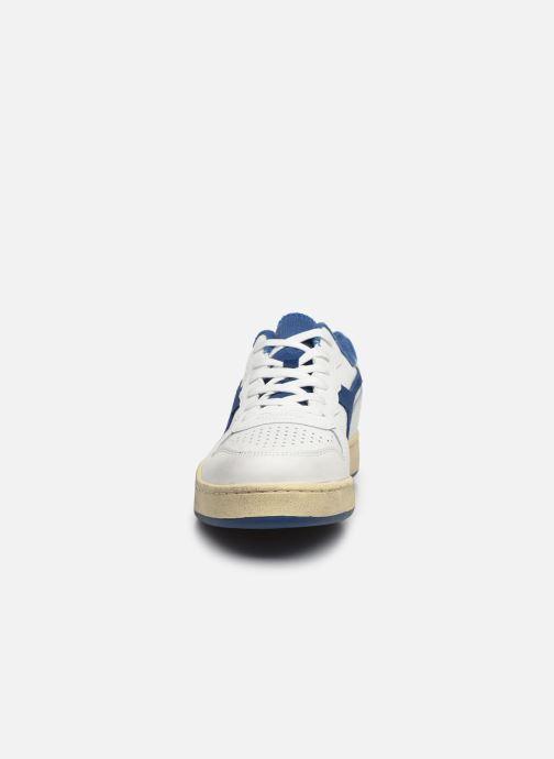 Baskets Diadora Mi Basket Low Used Blanc vue portées chaussures