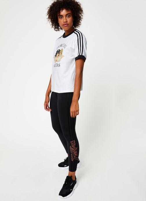 Vêtements adidas originals T-Shirt Blanc vue bas / vue portée sac