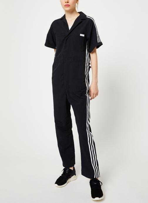 Vêtements adidas originals Jumpsuit Noir vue bas / vue portée sac