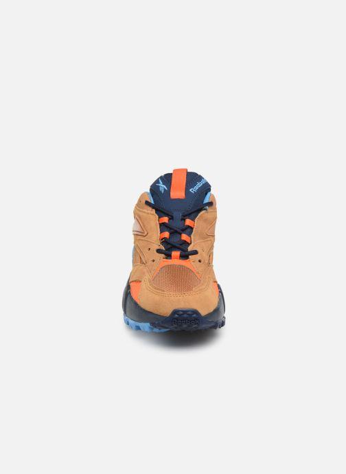 Sneakers Reebok Aztrek Double Mix Trail Marrone modello indossato
