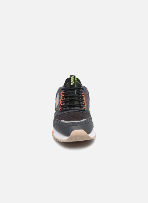 Sneakers Reebok Cl Leather Ripple Trail Nero modello indossato