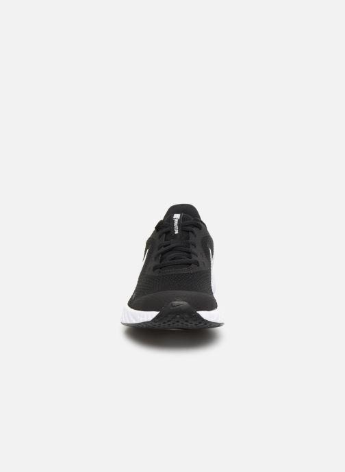 Deportivas Nike Nike Revolution 5 (Gs) Negro vista del modelo