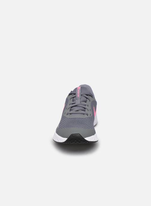 Deportivas Nike Nike Revolution 5 (Gs) Gris vista del modelo