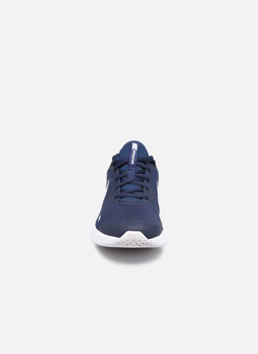Baskets Nike Nike Revolution 5 (Gs) Bleu vue portées chaussures