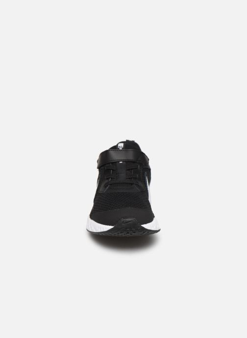 Baskets Nike Nike Revolution 5 (Psv) Noir vue portées chaussures