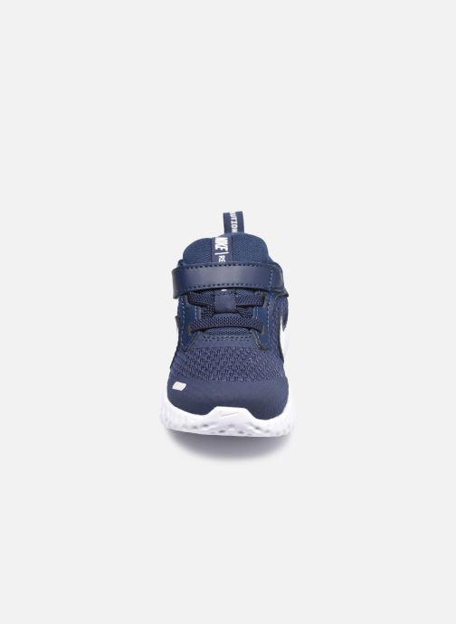 Sneakers Nike Nike Revolution 5 (Tdv) Azzurro modello indossato
