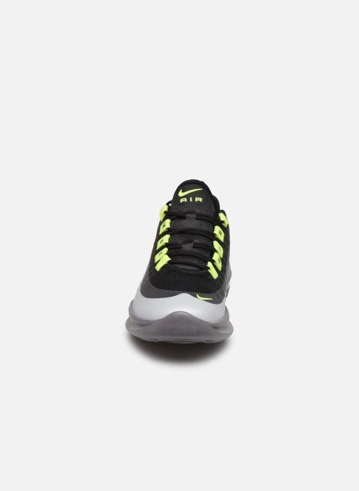 Sneaker Nike Nike Air Max Axis (Gs) schwarz schuhe getragen