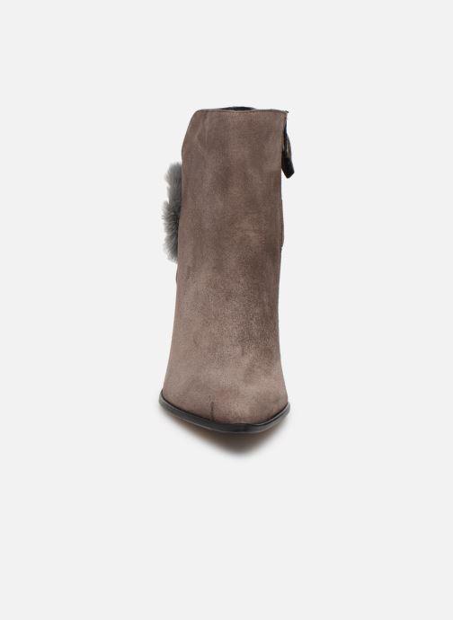 Bottines et boots Elizabeth Stuart Crespy 300 Beige vue portées chaussures