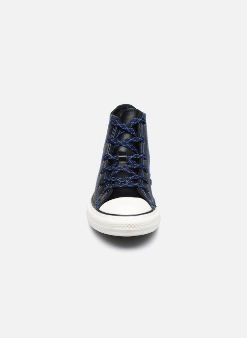 Baskets Converse Chuck Taylor All Star East Village Explorer Hi Noir vue portées chaussures
