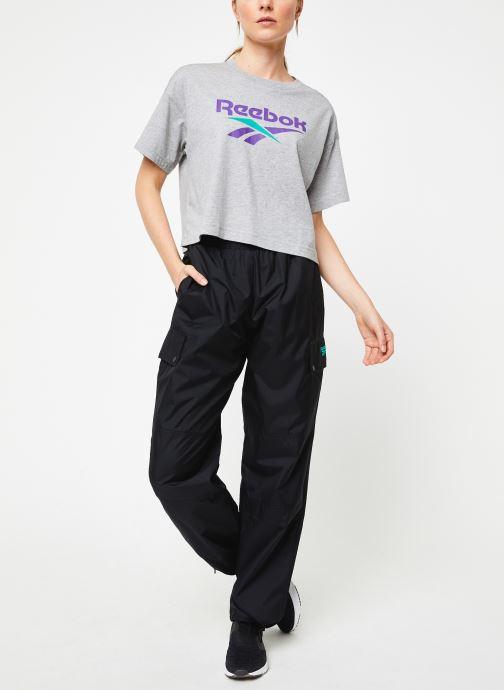 Vêtements Reebok Cl V Trail Trackpant Noir vue bas / vue portée sac