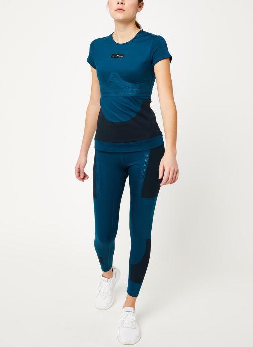 Vêtements adidas by Stella McCartney Tee Bleu vue bas / vue portée sac