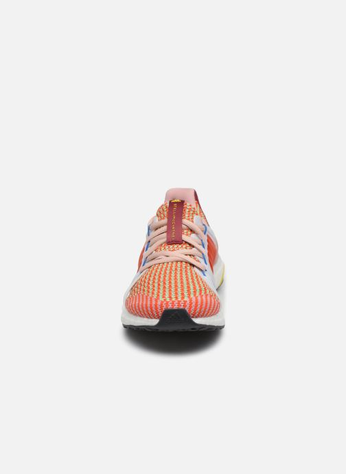 Baskets adidas by Stella McCartney Ultraboost S. Rose vue portées chaussures