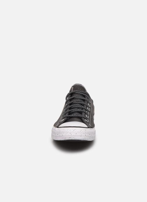 Sneaker Converse Chuck Taylor All Star Soho Survivor Ox grau schuhe getragen