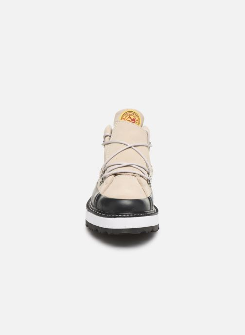 Deportivas Converse One Star Boot Frosted Dimensions Mid Beige vista del modelo