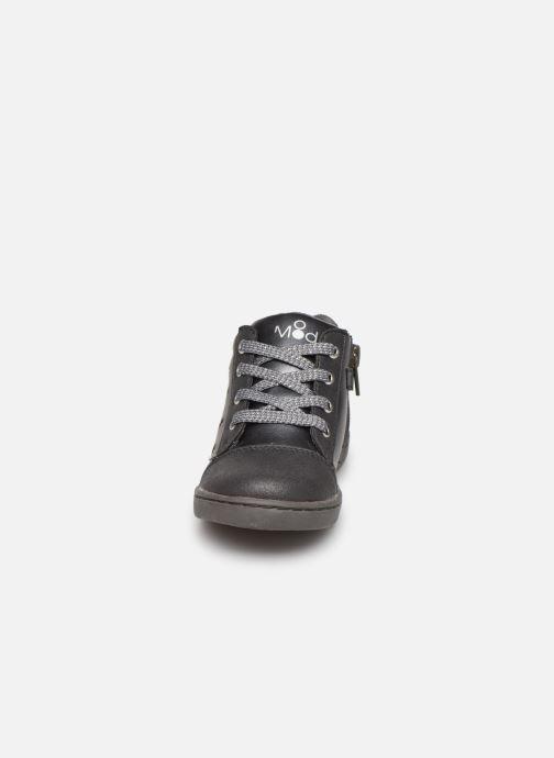 Sneakers Mod8 Oulawa Sort se skoene på