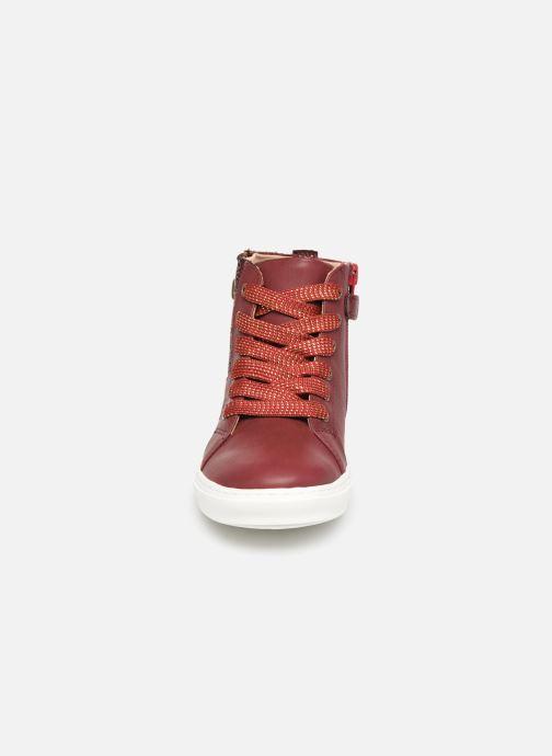 Baskets Mod8 Lisi Bordeaux vue portées chaussures