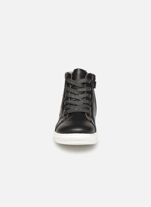 Trainers Mod8 Lisi Black model view