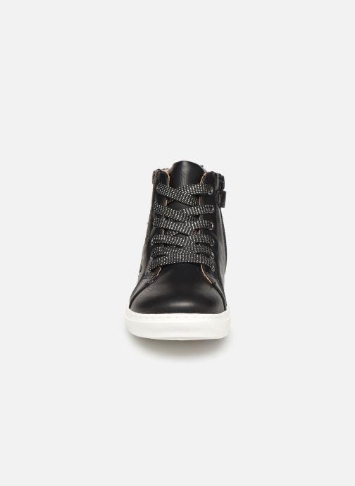 Baskets Mod8 Lisi Noir vue portées chaussures