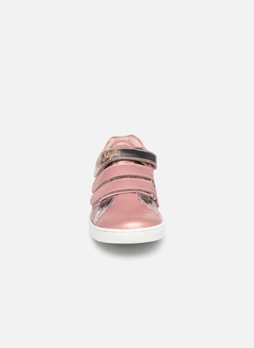 Sneakers Mod8 Miss Argento modello indossato