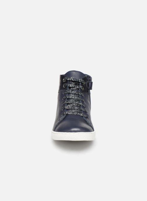 Baskets Mod8 Mistigri Bleu vue portées chaussures