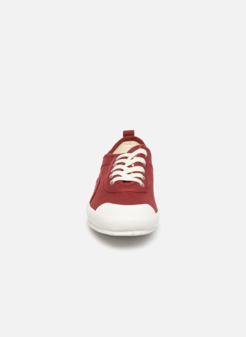 Sneakers TBS Pernick S Rosso modello indossato