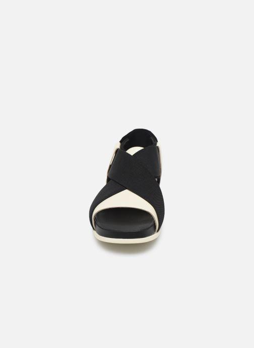 Sandali e scarpe aperte Camper ATONIK Nero modello indossato