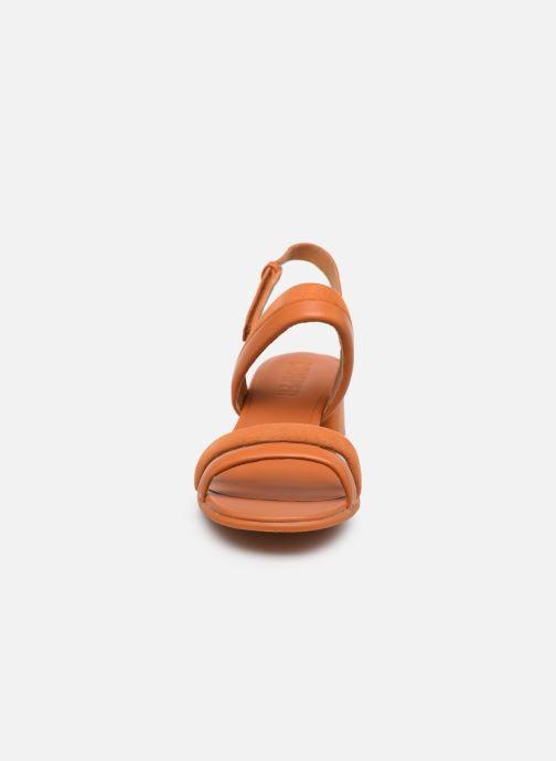 Sandali e scarpe aperte Camper KATIE Arancione modello indossato
