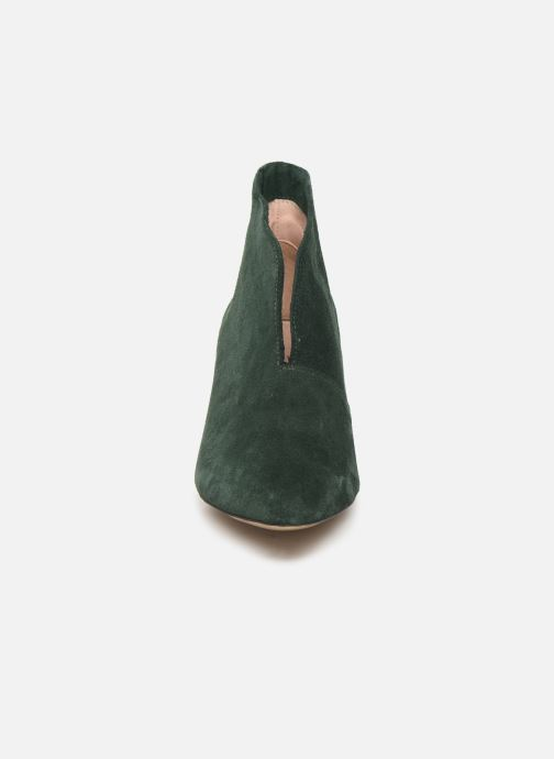 Botines  L37 Marigold Verde vista del modelo