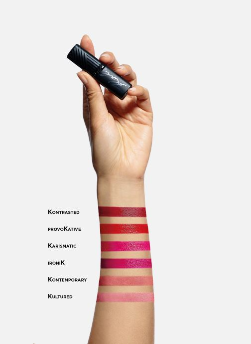 Productos de limpieza Karl Lagerfeld x L'Oréal Paris Rouge à lèvres Color Riche Satin Ironik Rosa vista de arriba