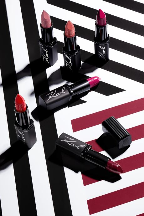 Onderhoudsproducten Karl Lagerfeld x L'Oréal Paris Rouge à lèvres Color Riche Satin Kontrasted Rood links