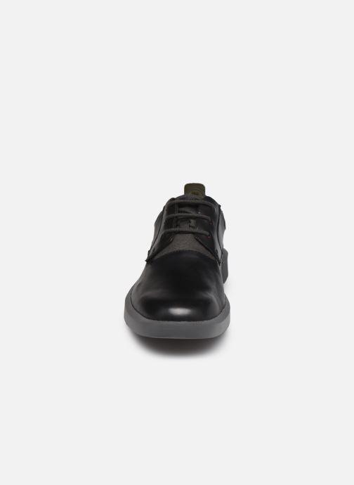 Scarpe con lacci Camper BILL Nero modello indossato